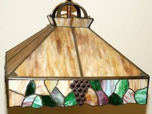 070196 LEADED GLASS HANGING LAMP H 16 W 20 L 20