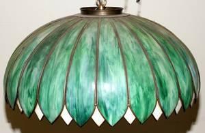 070195 LEADED GLASS HANGING LAMP H 14 DIA 24