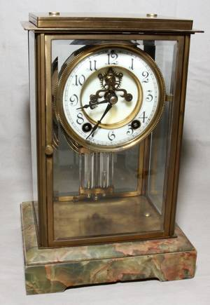 071354 NEW HAVEN CLOCK CO MANTEL CLOCK EARLY 20TH C