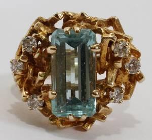 101273 14KT YELLOW GOLD DIAMOND  AQUAMARINE RING