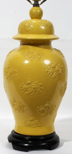 080260 CHINESE PAINTED PLASTER URN FORM LAMP H 30