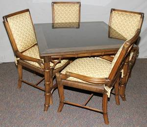 080238 RATTAN TABLE H 29 W 42 L 42  CHAIRS 4