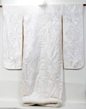 090375 JAPANESE EMBROIDERED KIMONO