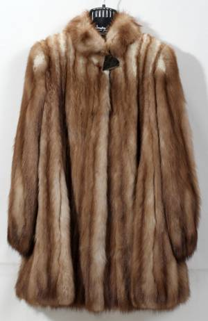 090372 RUSSIAN SABLE FUR COAT