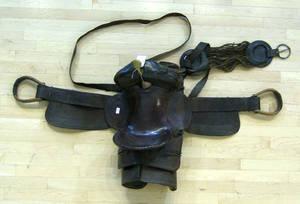 Tooled leather horse saddle