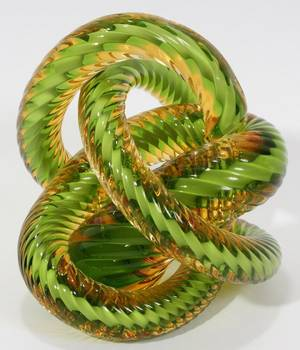 100513 GOLD AND GREEN GLASS TWIST SCULPTURE H 5