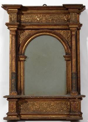 101025 ITALIAN GILT WOOD  GESSO TABERNACLE MIRROR