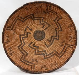 011183 NATIVE AMERICAN INDIAN WOVEN BASKET C 1900