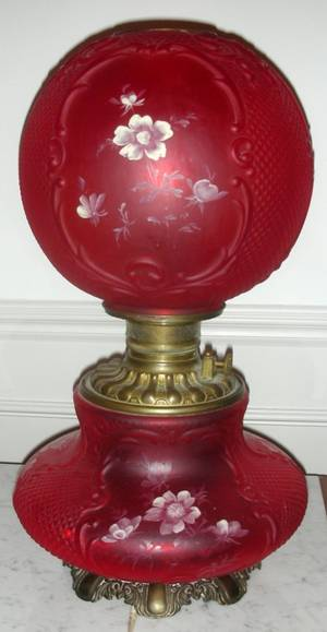 121282 VICTORIAN RED GLASS GONEWITHTHEWIND LAMP