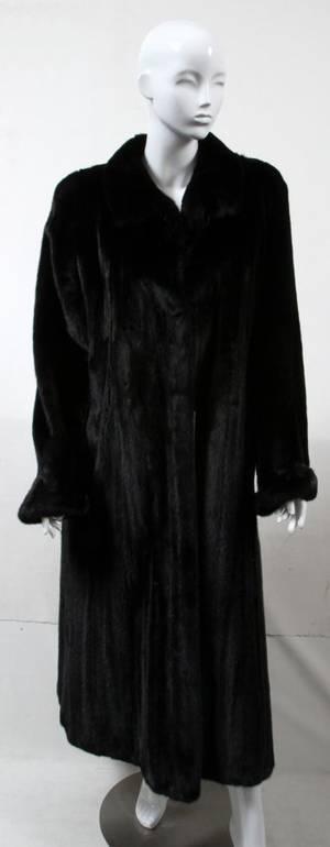 121310 CAROLINA HERRERA BLACKGLAMA RANCH MINK