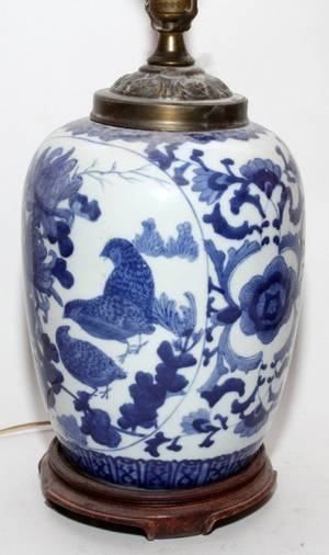 CHINESE BLUE  WHITE PORCELAIN JAR AS A LAMP