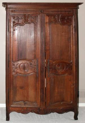 122211 COUNTRY FRENCH HAND CARVED OAK ARMOIRE