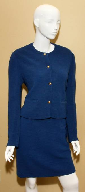 121338 CHANEL BOUTIQUE ROYAL BLUE WOOL SKIRT SUIT