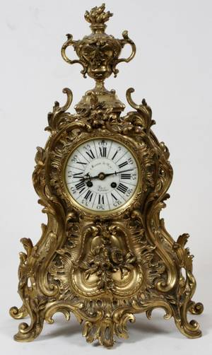 FRENCH ROCOCO STYLE BRONZE MANTLE CLOCK