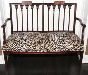 MAHOGANY SETTEE WITH UPHOLSTERED SEAT H 37
