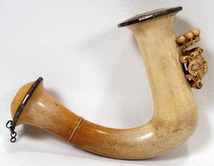 MEERSCHAUM PIPE BOWL CARVED WITH COAT OF ARMS