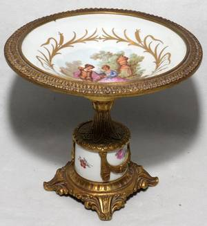 011421 FRENCH PORCELAIN COMPOTE H 6 DIA 6 34