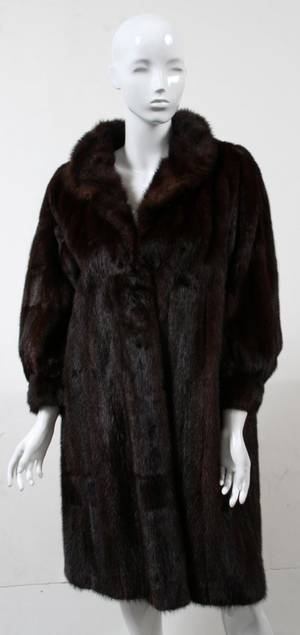 122397 SAKS FUR COMPANY RANCH MINK COAT 39