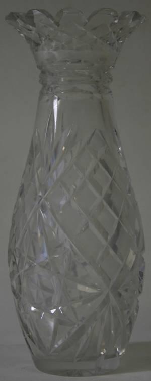 030387 CUT GLASS VASE MID 20TH C H 12