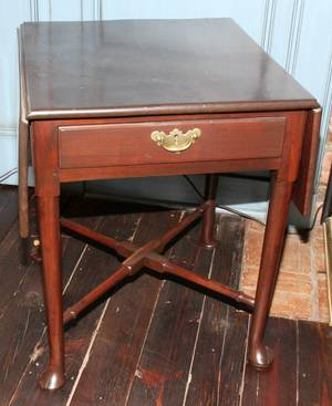 011502 ENGLISH MAHOGANY PEMBROKE TABLE C 1810