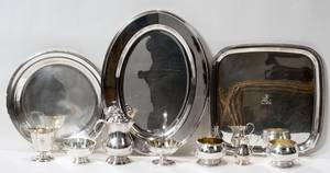 121548 SILVERPLATE TRAYS BOWLS CREAMERS  SUGARS