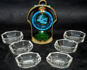 020445 GILT METAL AND GLASS CENTERPIECE NUT DISHES