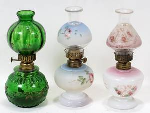 010481 ANTIQUE GLASS MINIATURE OIL LAMPS LATE 19TH C