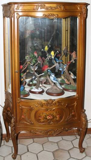 051131 LOUIS XV STYLE DECORATED WOOD CURIO CABINET