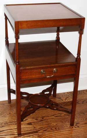 052143 ENGLISH MAHOGANY SIDE TABLE 18TH C H 26