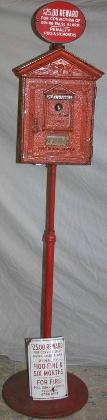 050119 GAMEVILLE CO FIRE ALARM BOX ON PEDESTAL C1930