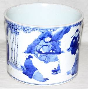 032132 CHINESE BLUE WHITE PORCELAIN BRUSH POT H 6