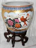 071275 CHINESE CERAMIC PLANTER H 19 DIA 18 ON STAND