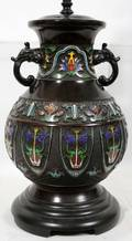 062286 CHINESE CHAMPLEV URN TABLE LAMP H 14 BASE