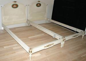 090284 FRENCH DECORATED WHITE CARVED WOOD TWIN BEDS