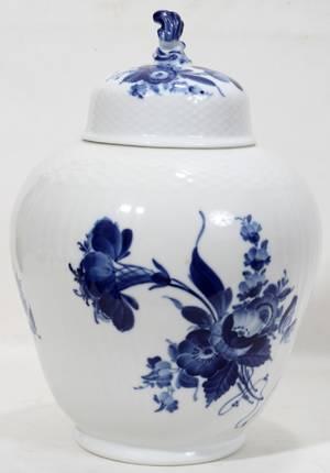 090278 ROYAL COPENHAGEN BLUE  WHITE PORCELAIN URN