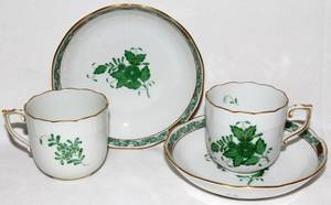 071300 HEREND CHINESE BOUQUETGREEN PORCELAIN CUPS