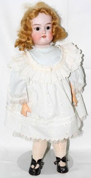 090333 CUNO  OTTO DRESSEL BISQUE HEAD DOLL H 19