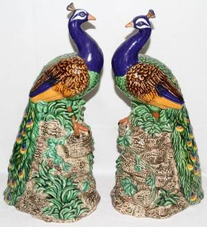 051397 MAJOLICA STYLE POTTERY PEACOCKS PAIR H 19