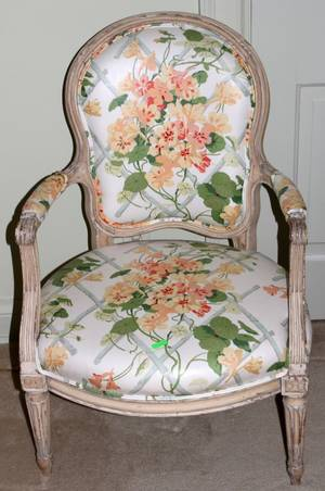 071376 FRENCH LOUIS XVI STYLE ARMCHAIR