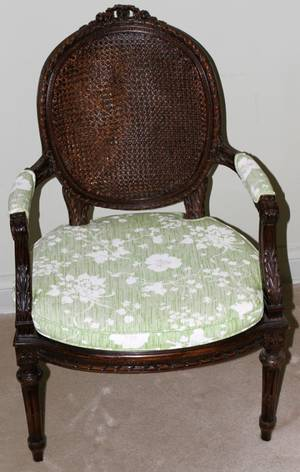 071374 FRENCH LOUIS XVI STYLE ARMCHAIR