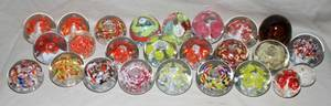 050404 ROYAL  OTHER BLOWN GLASS PAPERWEIGHTS 25 PCS