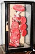 050495 GEISHA FIGURES IN GLASS CASES 2 PCS H 9