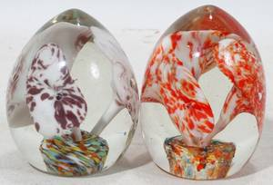 061567 HANDBLOWN GLASS PAPERWEIGHTS TWO H 3