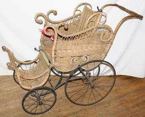 050526 VICTORIAN WICKER BABY BUGGY C 1890