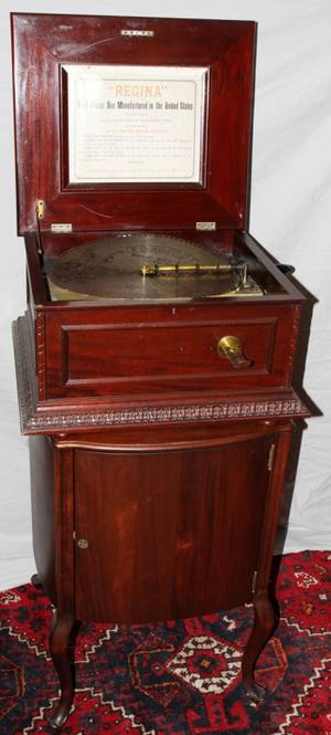052036 REGINA MAHOGANY COIN OPERATED DISC MUSIC BOX