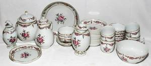 091176 CHINESE EXPORT PORCELAIN TEA SERVICE 18TH C
