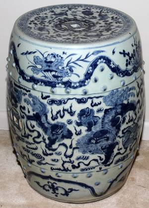 092171 CHINESE BLUE AND WHITE PORCELAIN GARDEN SEAT