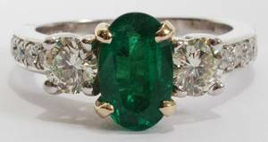 012218 145CT EMERALD  DIAMOND RING