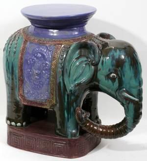 110247 CHINESE PORCELAIN ELEPHANT GARDEN SEAT C1970