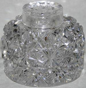 011500 CUT GLASS INKWELL EARLY 20TH CENTURY H 4